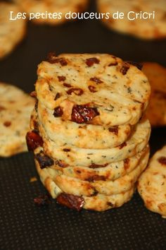Sables Parmesan and Dried Tomatoes - Sablés Parmesan et Tomate Séchées Healthy Dinner Recipes, Appetizer Recipes, Vegetarian Recipes, Cooking Recipes, Tapas, Super Dieta, Vol Au Vent, Appetisers, Food Design