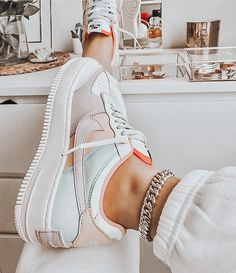 Nike Shoes Air Force, Nike Air Max, Air Max 90, Nike Air Jordans, Nike Free, Sneakers Fashion, Sneakers Nike, Fashion Shoes, Jordan Shoes Girls