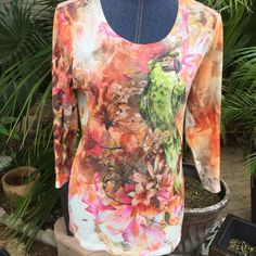 Today 15% offChicos adorable top This is SO beautiful with the summer ready look!!! So comfortable and in very super shape Chico's Tops Tees - Long Sleeve