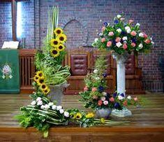 Podobny obraz Church Flower Arrangements, Floral Arrangements, Floral Design, Centerpieces, Celestial, Rustic Weddings, Plants, Roman Catholic, Gardening