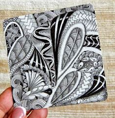 Zentangle Zentangle Inspired Art ( ZIA ) zendoodle - Crafts Are Fun Doodles Zentangles, Tangle Doodle, Tangle Art, Zentangle Drawings, Zen Doodle, Doodle Drawings, Doodle Art, Doodle Patterns, Zentangle Patterns