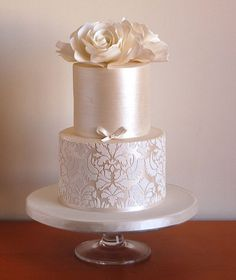 Stunning Rose Pearl Wedding Cake Design