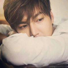 Shared by ️ アビゲイル ️. Find images and videos about oppa, lee min ho and the heirs on We Heart It - the app to get lost in what you love. Korean Drama Funny, Korean Drama Quotes, Cute Korean, Korean Male Models, Korean Celebrities, Korean Actors, Korean Dramas, Lee Min Ho Dramas, Lee Min Ho Photos