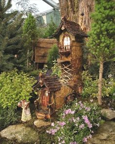 Fairy Gardens. I can't get over how amazingly, JUST AMAZINGLY awesome these homes are. Wow!!!