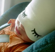 Organic Sleepy Time Hat : Naptime cap with a fold down sleep mask for your baby. A bit creepy but genius Little Babies, Little Ones, Cloth Diapers, New Baby Gifts, Baby Sleep, Baby Love, How To Fall Asleep, Baby Shower Gifts, Crafty