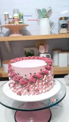 cake decorating videos & cake decorating ` cake decorating videos ` cake decorating techniques ` cake decorating for beginners ` cake decorating tutorials ` cake decorating tips ` cake decorating ideas for beginners ` cake decorating videos amazing Cake Decorating Piping, Creative Cake Decorating, Cake Decorating Videos, Cake Decorating Techniques, Creative Cakes, Cookie Decorating, Cake Icing Techniques, Cake Decorating For Beginners, Birthday Cake Decorating