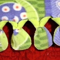 No Sew Fleece Blanket - I think I like the looks of this knot the best out of them all