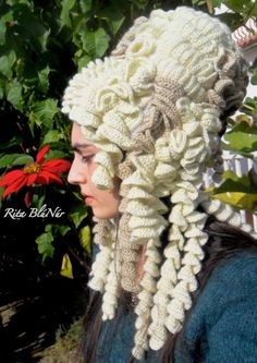 Hyperbolic crochet wig,  Maria Antonietta 1700 Work and Photo made by Rita BlúNúr
