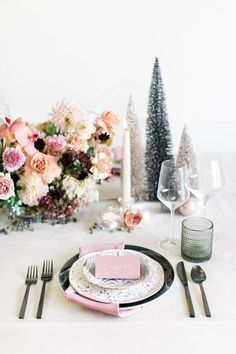It couldn't possibly get prettier than this enchanting pastel holiday dinner table. We are smitten with the pretty setup in stunning soft colors and mixed metallics that give it that winter wonderland vibe. Christmas Table Settings, Christmas Tablescapes, Christmas Decorations, Table Decorations, Australian Christmas, Table Setting Inspiration, Floral Event Design, Christmas Love, Merry Christmas