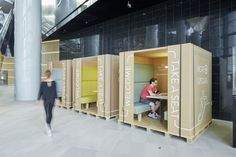 TAKE A SEAT! Pop-Up MeetingSpace. Mobile work solution. Eco friendly made out of cardboard and wood. #hetnieuwewerken