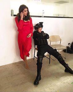 ญาญ่า ดูท่าจะเบื่อผู้หญิงชุดแดง