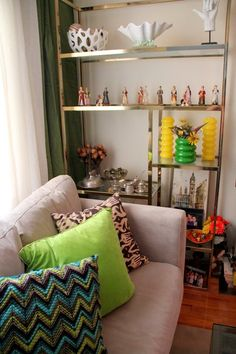 """Dido's """"Green + Gray"""" Room 