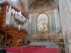 This is a picture of the San Gregorio Magno al Celio. It is the only church Bob saw in Rome with an organ. Bob likes organs because of the technic it uses to create sound. It is a genious system to create vibrations of a certain hight so that it makes music.