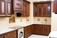 Каждый человек, занимающийся обустройством собственного дома или квартиры, уделяет внимание выбору качественной мебели. Она наполняет комнаты уютом и теплом, делает их максимально комфортными и функциональными. Но со временем мебель утрачивает свой товарный вид, требуя замены. Покупка нового товара потребует немалых вложений. Альтернативным решением станет реставрация и обновление мебели.  Услуга по замене столешниц и фасадов на кухне становится с каждым днем все более популярной и…