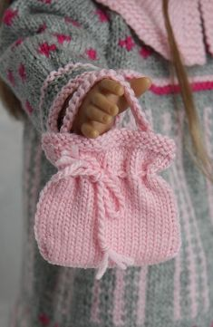 Knitting Dolls Clothes, Crochet Doll Clothes, Knitted Dolls, Knitting Projects, Knitting Patterns, American Girl, American Doll Clothes, Shoe Pattern, Baby Born