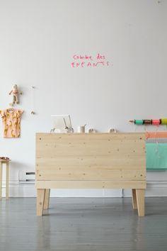 """""""Un laboratoire de «slow design» dont la mission est de concevoir des objets de tous les jours, fabriqués à la main, à Montréal."""""""