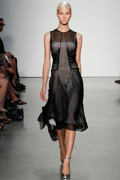 Reed Krakoff Spring 2014 Ready-to-Wear (another great dress. And a find because it doesn't have the capped sleeves. We really dislike capped sleeves.)