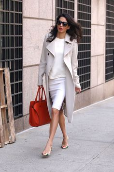 What: Tod's bag, Oscar da la Renta shoes  When: April 6, 2015 Where: At Columbia University in New York City   - HarpersBAZAAR.com