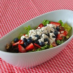 This has the best poppy seed dressing.  I made my own Paradise Bakery salad with mandarin oranges, pineapple, strawberries, blueberries, glazed pecans and used this recipe's dressing.