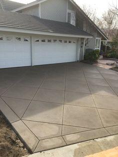 Concrete pattern w border Imprinted Concrete Driveway, Concrete Driveways, Concrete Patio Designs, Backyard Patio Designs, Concrete Light, Colored Concrete Patio, Driveway Design, Driveway Ideas, Stone Porches