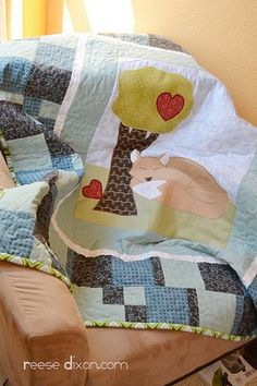 Foxy Applique: by Reese Dixon for Reese Dixon Blog, via FaveCrafts. This design is great for any room in the house.  With easy machine embroidery applique designs like this, you can have a unique quilt that's fun to make and even more fun to show off to friends!