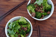 Beef + Broccoli Stir-fry >> I Quit Sugar ~ This dish is a quick, healthy and cheap meal to whip up after work and is perfect to keep for leftovers the next day! #IQS #IQSRecipe #glutenfree
