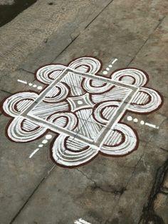 Rangoli Designs Flower, Rangoli Patterns, Rangoli Kolam Designs, Rangoli Designs Images, Kolam Rangoli, Beautiful Rangoli Designs, Simple Rangoli, Kolam Dots, Rangoli With Dots