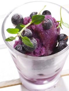 Eat more, weigh less without starving, frozen blueberry shake. http://paleoaholic.com/