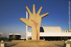 Open hand in Chandigarh, India is one of the most significant monuments of the city. The credit for laying down its plan goes to Le Corbusier. Chandigarh open hand monument has been designed in t...