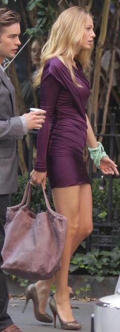 Serena van der Woodsen style: Enough About Eve Blake Lively con Tacones de Gossip Girls, Gossip Girl Outfits, Gossip Girl Fashion, Serena Van Der Woodsen Style, Blake Lively Style, Goddess Dress, Style Casual, Dress To Impress, Celebrity Style