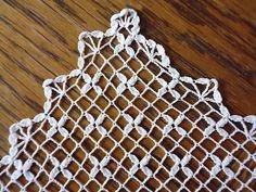 pocket squares Ravelry: Filetstueck's Pocket Square with starlights Crochet Art, Filet Crochet, Crochet Motif, Crochet Stitches, Crochet Borders, Crochet Squares, Pocket Square, Ravelry, Diy And Crafts