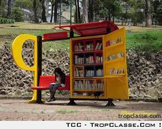 Mobile Library in Bus Stations is a very good idea! Colombia, Bogota will introduce mobile libraries in the bus stations. Mini Library, Little Library, Free Library, Library Books, Reading Library, Reading Nook, Read Books, Mobile Library, Bus Shelters