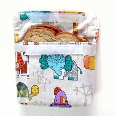 Tutorial and pattern for a reusable sandwich bag.