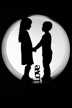 'Love' prop. Brother & Sister photo-shoot. Great silhouette. Sibling Photo Shoots, Sibling Photos, Sibling Photography, Love Photography, Brother Sister Photos, Sister Poses, Sister Pictures, Kid Pics, Family Pics