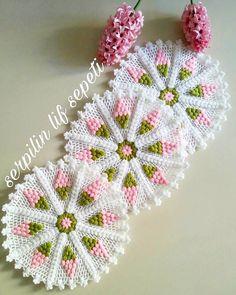 Crochet Granny, Crochet Doilies, Crochet Flowers, Crochet Hats, Crochet Toilet Roll Cover, Crochet Designs, Crochet Patterns, Motif Vector, Woolen Craft
