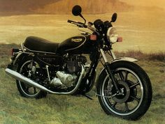 Triumph TSS Bonneville (1982) Triumph Motorcycles, Classic Bikes, Motorbikes, Saddle Bags, Scooters, Vehicles, Triumph Bikes, Motor Scooters, Motorcycles