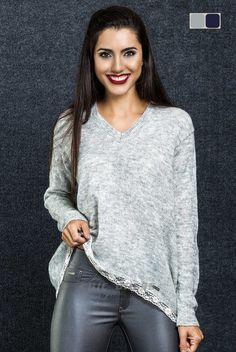 Tricot - Pullover Sweater   Fit: Vestir Regular  Pormenor: Com renda em toda a Baínha  Manga: Manga Comprida Padrão: Jersey Detalhes: Personalizado com a marca Chic Dress