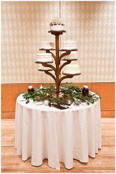 Beautiful rustic wedding cake stand that looks like a tree!