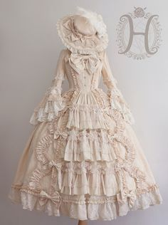 Lace Market is the largest online marketplace for EGL (Elegant Gothic Lolita) Fashion. Sell and buy Lolita dresses, skirts, accessories and more with thousands of users around the world! Old Fashion Dresses, Old Dresses, Pretty Dresses, Beautiful Dresses, Fashion Outfits, Emo Outfits, Scene Outfits, Anime Outfits, Fashion Boots