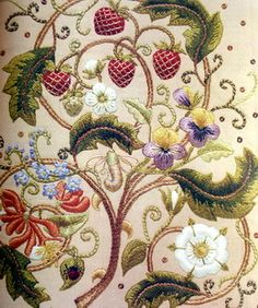 ♒ Enchanting Embroidery ♒ embroidered flowers | miriam-blaylock.com