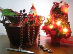ワンちゃん用のステンレス製係留用チェーンをクリスマスデコレーションとコラボさせてみました。雰囲気出ましたでしょうか?