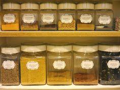 粉物収納は100均よりも使い勝手の良いフレッシュロックで 粉物収納方法