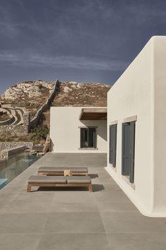Villa Mandra by K-Studio — MODEDAMOUR Patio Grande, Studio Build, Building A House, Architecture Design, Pergola, House Design, Studio Design, Villa Design, Interior And Exterior