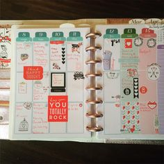 """""""#discagenda #planner #weeklylayout -- I couldn't resist setting up my week in  #vertical #diva style. I feel like I'm home again.  I missed my vertical…"""""""