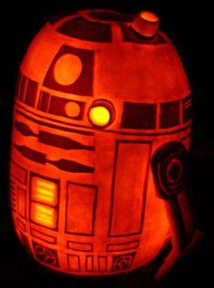 R2-D2 pumpkin sculpted by Noel Dickover.