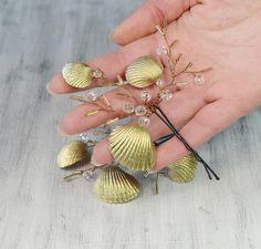 Beach Wedding Bridal Hair Pins Mermaid Hair Pins Gold Sea Shell Hair clips Shell Bobby Pin set Nautical wedding Barrette  Wedding Headpiece