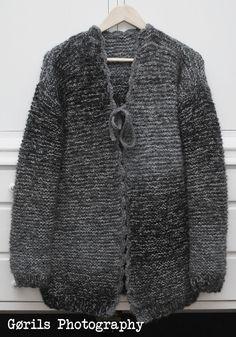 Strikking i mitt hvite hjem Crochet Style, Knit Crochet, Crochet Fashion, Mittens, Lana, Knits, Sweaters For Women, Crafting, Knitting