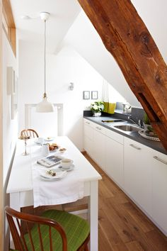decorar cocinas pequeñas abuhardilladas