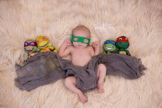 newborn photography, ninja turtle, newborn posing.