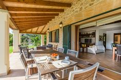 VILLA MASTAGUERA ROGER set in a great location, enjoying a countryside location with perfect views of Puig de Maria and surroundings.